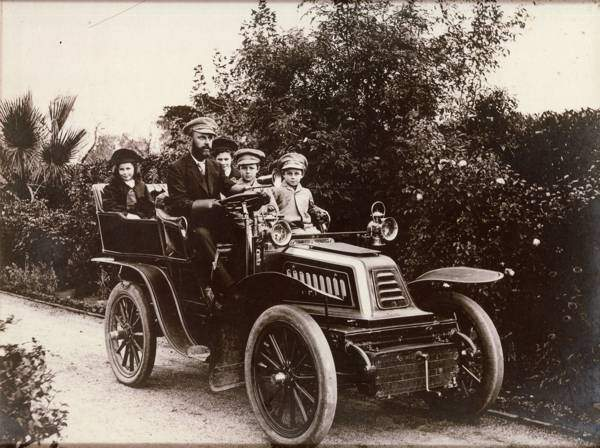 Thompsons-and-the-Testers-1920s-car