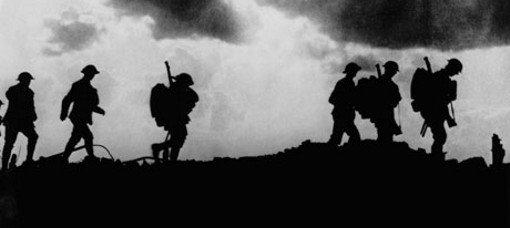 silhoette of troops WW1